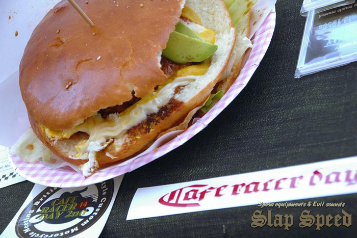 """7 Inch """"Ton Up Burger""""""""Cafe Racer Day 2nd"""" Sep.14.2014 Mie Japan."""