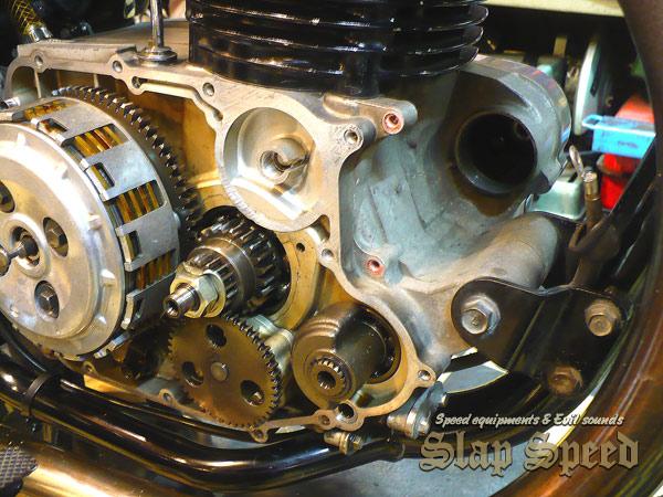 【SSSC ESTRELLA-SS】 エンジンカバー右側&セルモーターOFF